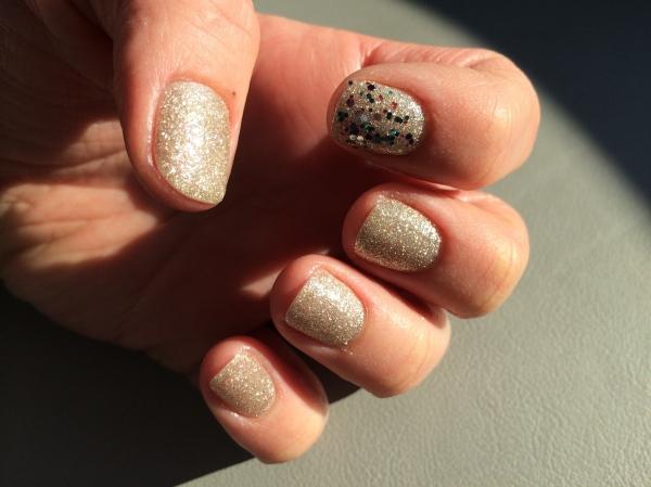 Atir manicure